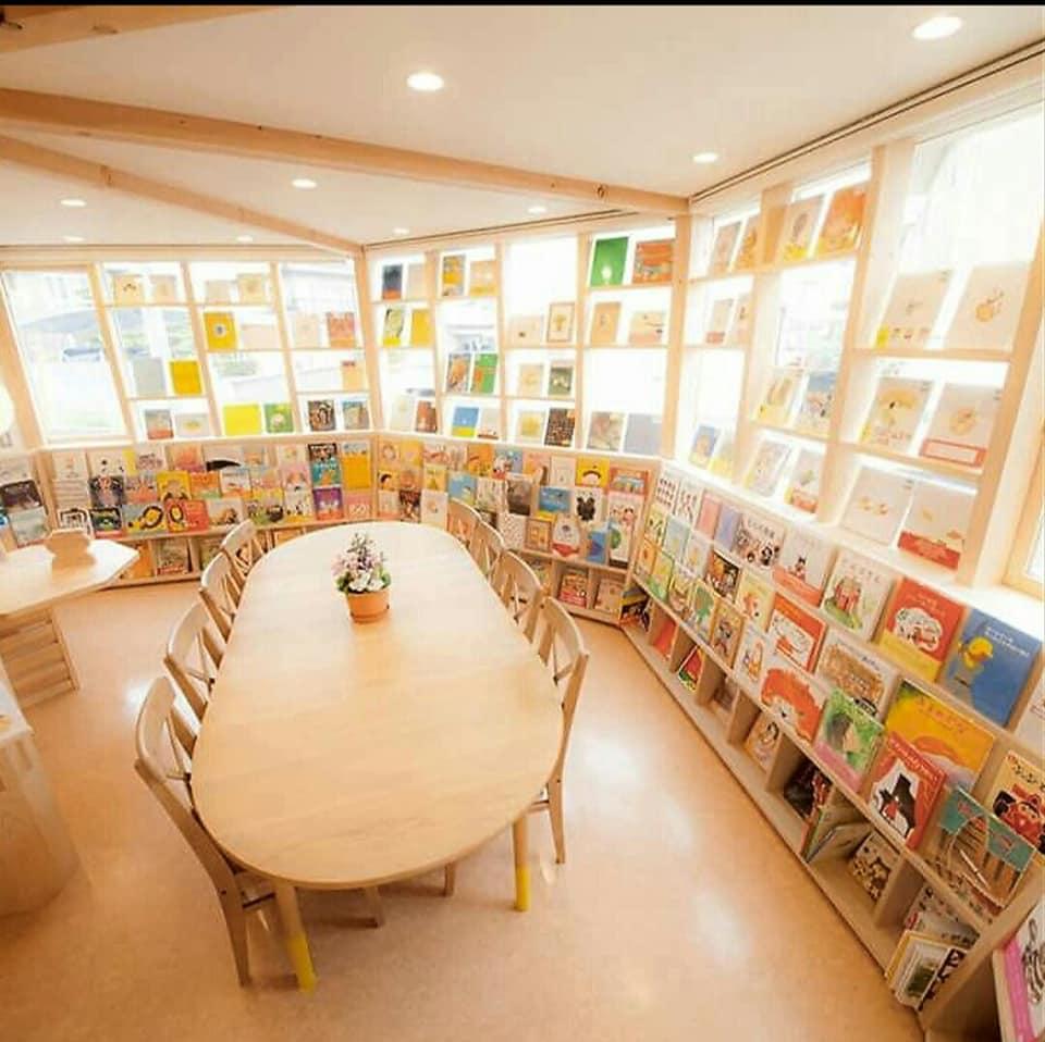 「つづきの絵本屋」は 4周年を迎えました。5